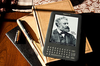 E-Books become mainstream